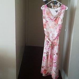 Jessica Howard, dress